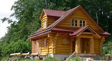, Особенности и достоинства строительства домов из бревна