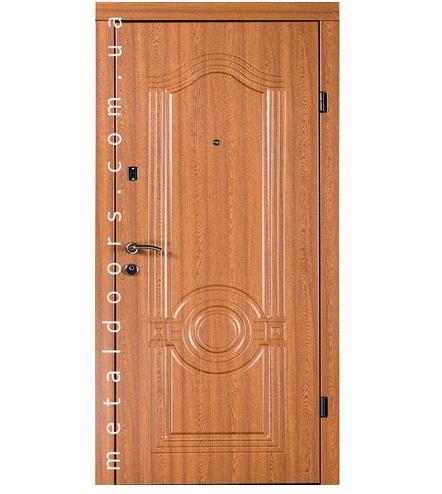 , Входные двери с дубовыми накладками